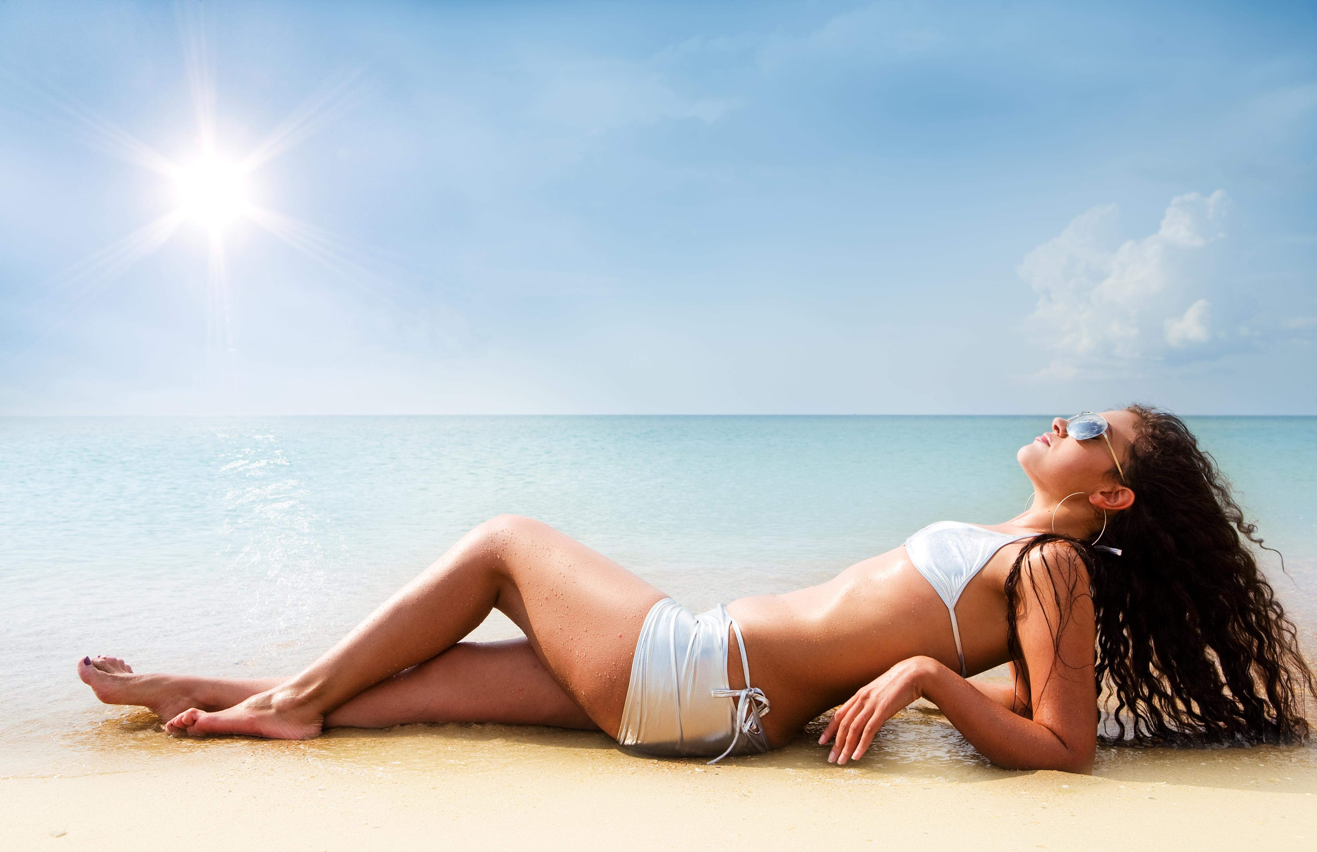 Sun tan girls 5